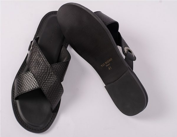 New black X with ring slippers
